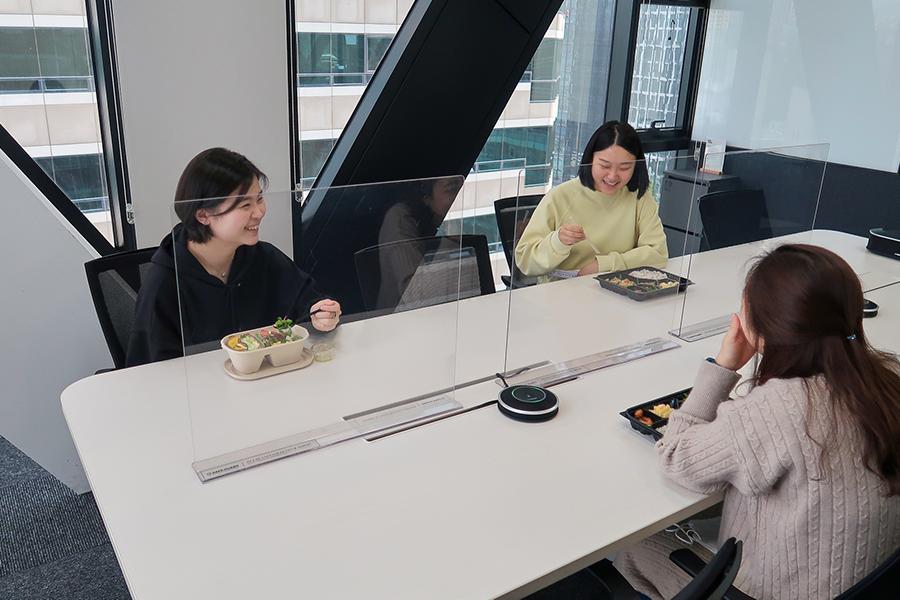 안전하고 즐겁게 회사 점심 식사하는 리더스
