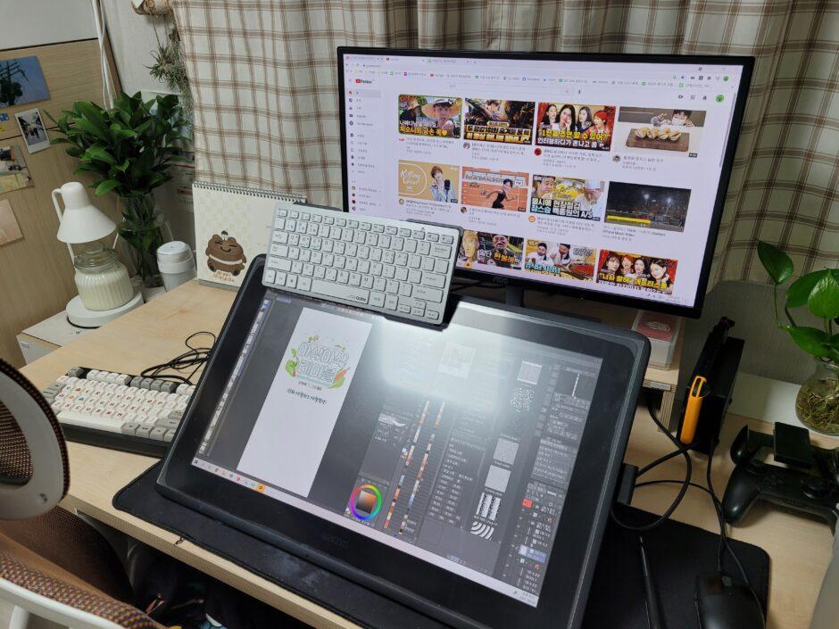채식 웹툰 '아삭아삭 테이블' 그림 작가 불곰님의 작업 공간